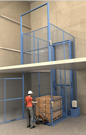 vertical conveyor with a pallet load